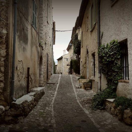 Cycling Adventures Rennradreisen Provence Gassen